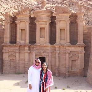 students on trip to Petra